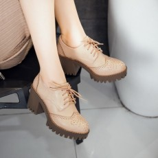 รองเท้าแฟชั่นเกาหลี หุ้มส้นหนังฉลุใส่สบายเพื่อสุขภาพไซส์ใหญ่ นำเข้า ไซส์33ถึง43 สีเบจ - พรีออเดอร์RB2391 ราคา2200บาท
