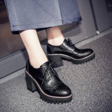 รองเท้าแฟชั่นเกาหลี หุ้มส้นหนังฉลุใส่สบายเพื่อสุขภาพไซส์ใหญ่ นำเข้า ไซส์33ถึง43 สีดำ - พรีออเดอร์RB2391 ราคา2200บาท