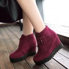 รองเท้าบูทสั้นหนังกำมะหยี่ แฟชั่นเกาหลีสวมง่ายดีไซน์ส้นเตารีด นำเข้า ไซส์34ถึง43 สีแดง - พรีออเดอร์RB2398 ราคา1950บาท