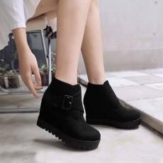 รองเท้าบูทสั้นหนังกำมะหยี่ แฟชั่นเกาหลีสวมง่ายดีไซน์ส้นเตารีด นำเข้า ไซส์34ถึง43 สีดำ - พรีออเดอร์RB2398 ราคา1950บาท