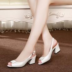 รองเท้าหนังแท้เพื่อสุขภาพ แฟชั่นเกาหลีเปิดหน้าเท้าสายรัดส้น นำเข้า ไซส์33ถึง41 สีขาว - พรีออเดอร์RB2419 ราคา1990บาท