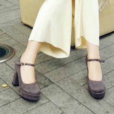 รองเท้าส้นสูง แฟชั่นเกาหลีหนังกลับมีสายรัดหลังเท้าไซส์เล็กใหญ่ นำเข้าไซส์32ถึง42 สีเทา - พรีออเดอร์RB2421 ราคา2100บาท
