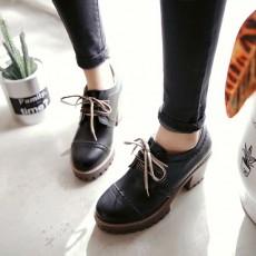 รองเท้าแฟชั่นเกาหลี หุ้มส้นหนังฉลุใส่สบายเพื่อสุขภาพไซส์ใหญ่ นำเข้า ไซส์33ถึง43 สีดำ - พรีออเดอร์RB2422 ราคา1850บาท
