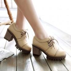รองเท้าแฟชั่นเกาหลี หุ้มส้นหนังฉลุใส่สบายเพื่อสุขภาพไซส์ใหญ่ นำเข้า ไซส์33ถึง43 สีเบจ - พรีออเดอร์RB2422 ราคา1850บาท