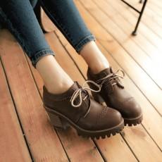 รองเท้าแฟชั่นเกาหลี หุ้มส้นหนังฉลุใส่สบายเพื่อสุขภาพไซส์ใหญ่ นำเข้า ไซส์33ถึง43 สีน้ำตาล - พรีออเดอร์RB2422 ราคา1850บาท