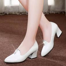 รองเท้าหนังแท้เพื่อสุขภาพ แฟชั่นเกาหลีคัทชูสวมหุ้มส้น นำเข้า ไซส์33ถึง41 สีขาว - พรีออเดอร์RB2424 ราคา1990บาท