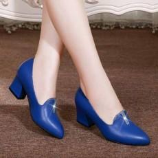 รองเท้าหนังแท้เพื่อสุขภาพ แฟชั่นเกาหลีคัทชูสวมหุ้มส้น นำเข้า ไซส์33ถึง41 สีน้ำเงิน - พรีออเดอร์RB2424 ราคา1990บาท