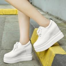 รองเท้าผ้าใบส้นหนา แฟชั่นเกาหลีผู้หญิงแบบหนังผูกเชือกใหม่ นำเข้า ไซส์33ถึง42 สีขาว - พรีออเดอร์RB2425 ราคา2100บาท