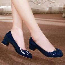 รองเท้าหนังแก้ว แฟชั่นเกาหลีคัทชูสวมหุ้มส้นแต่งหัวเข็มขัด นำเข้า ไซส์34ถึง42 สีน้ำเงิน - พรีออเดอร์RB2426 ราคา2000บาท