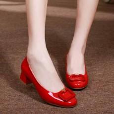 รองเท้าหนังแก้ว แฟชั่นเกาหลีคัทชูสวมหุ้มส้นแต่งหัวเข็มขัด นำเข้า ไซส์34ถึง42 สีแดง - พรีออเดอร์RB2426 ราคา2000บาท