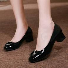 รองเท้าหนังแก้ว แฟชั่นเกาหลีคัทชูสวมหุ้มส้นแต่งหัวเข็มขัด นำเข้า ไซส์34ถึง42 สีดำ - พรีออเดอร์RB2426 ราคา2000บาท