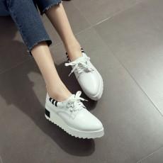 รองเท้าผ้าใบส้นหนา แฟชั่นเกาหลีผู้หญิงแบบหนังผูกเชือกใหม่ นำเข้า ไซส์31ถึง43 สีขาว - พรีออเดอร์RB2427 ราคา2100บาท