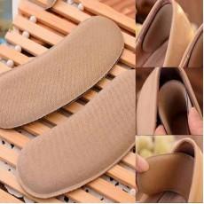 แผ่นกันรองเท้ากัดส้นกันหลวมลดการเจ็บส้นเท้าเนื้อผ้าฟองน้ำแบบมีกาว นำเข้า สีกากี - พร้อมส่งBE0058 ราคา70บาท