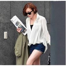 เสื้อเชิ้ต แฟชั่นเกาหลีตัวยาวลูกไม้ชีฟองสุดเซ็กซี่ นำเข้า ฟรีไซส์ สีขาว - พร้อมส่งTJ7255 ราคา995บาท [หมดค่ะ]