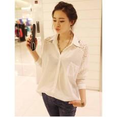 เสื้อเชิ้ต แฟชั่นเกาหลีตัวยาวหลวมแต่งลูกไม้ชีฟองสุดเซ็กซี่ นำเข้า ฟรีไซส์ สีขาว - พร้อมส่งTJ7438 ราคา995บาท [หมดค่ะ]