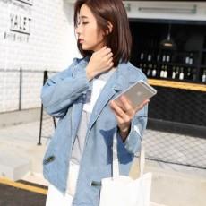 เสื้อแจ็คเก็ตยีนส์ ผู้หญิงแฟชั่นเกาหลีแขนค้างคาวอินเทรนด์มีกระเป๋าแบบซิป ฟรีไซส์ สีฟ้า - พร้อมส่งTJ7647 ราคา850บาท
