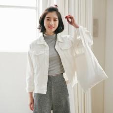 เสื้อแจ็คเก็ตผู้หญิง แฟชั่นเกาหลีทรงหลวมเทรนด์ใหม่แบบเสื้อคลุม ฟรีไซส์ สีขาวครีม - พร้อมส่งTJ7722 ลดราคา890บาท