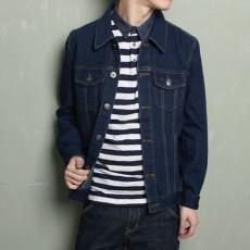 เสื้อแจ็คเก็ตยีนส์ ผู้ชายแฟชั่นเกาหลีแขนยาวเอวตรงทรงหลวมเทรนด์ใหม่ ฟรีไซส์ สียีนส์เข้ม - พร้อมส่งTJ7726M ราคา1190บาท
