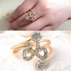 แหวนคริสตัล ใหม่แฟชั่นเกาหลีรูปโบว์สวยหรูหรา Gold Crystal Bow Rings นำเข้า สีทอง - พร้อมส่งW204 ลดราคา99บาท