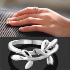 แหวนสีเงิน แฟชั่นเกาหลีปลายเปิดลายใบไม้ปรับขนาดได้สวยหรู Silver Tree Open Rings นำเข้า - พร้อมส่งW272 ราคา250บาท