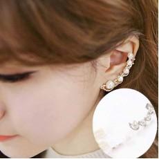 ต่างหูคลิป แฟชั่นเกาหลีหนีบด้านข้างใบหูมุกใหม่สวย Pearl Clip Ear Cuff นำเข้า สีเงิน - พร้อมส่งW309 ลดราคา129บาท