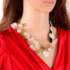 สร้อยคอมุกดอกไม้ แฟชั่นเกาหลีประดับดอกไม้เดซี่น่ารักสวยหรูหรา นำเข้า สีขาว - พร้อมส่งW336 ราคา 300 บาท