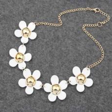 สร้อยคอดอกไม้ แฟชั่นเกาหลีดีไซน์ดอกไม้เดซี่น่ารักสวยหวาน Flower Necklace นำเข้า สีขาว - พร้อมส่งW341 ลดราคา99บาท