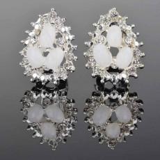 ต่างหูคริสตัล แฟชั่นเกาหลีรูปหยดน้ำกราฟิกหรูหรา Silver Crystal Earring นำเข้า สีขาว - พร้อมส่งW587 ลดราคา99บาท