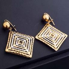 ต่างหูระย้า แฟชั่นเกาหลีทรงสี่เหลี่ยมฉลุทองโปร่งตุ้งติ้งสวยหรู 18K Drop Earrings นำเข้า สีทอง - พร้อมส่งW645 ลดราคา99บาท