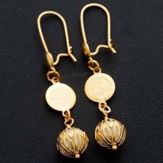 ต่างหูระย้า แฟชั่นเกาหลีประดับคริสตัลกลมสีขาวตุ้งติ้งสวยหรู 24K Drop Earrings นำเข้า สีทอง - พร้อมส่งW656 ลดราคา99บาท