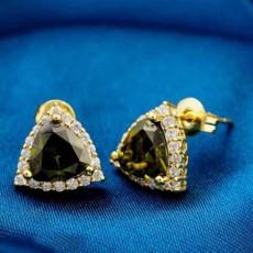 ต่างหูเพชร แฟชั่นเกาหลีประดับคริสตัลสามเหลี่ยมมีมิติ CZ 18K Gold Earrings นำเข้า สีเขียว - พร้อมส่งW664 ราคา99บาท