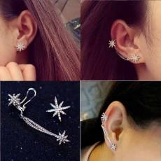 ต่างหูคลิป คริสตัลรูปดาวหรูหราใหม่แฟชั่นเกาหลีสวย Stars Crystal Cuff Earrings นำเข้า สีเงิน - พร้อมส่งW748 ราคา159บาท