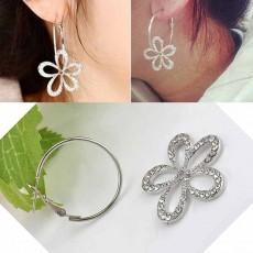 ต่างหูห่วง แฟชั่นเกาหลีพร้อมดอกไม้คริสตัลแยกชิ้นได้ Silver Earrings นำเข้า สีเงิน - พร้อมส่งW787 ลดราคา159บาท