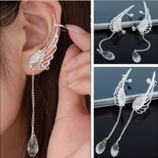 ต่างหูคลิป แฟชั่นเกาหลีรูปปีกนกนางฟ้าพร้อมคริสตัลหรูหรา2ชิ้น Silver Earrings นำเข้า สีเงิน - พร้อมส่งW788 ลดราคา159บาท