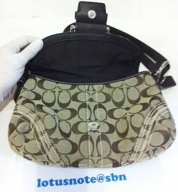 COACH Brown Tan Jacquard Signature Shoulder Bag Purse ของแท้มือสองจากอเมริกามีถุงผ้า พร้อมส่ง ราคา3890บาท