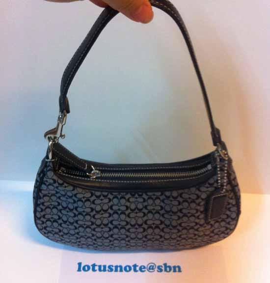 COACH Small Jacquard Signature W/Tan Hobo Shoulder/Hand bag ใหม่ของแท้จากอเมริกา พร้อมส่ง ราคา5900บาท