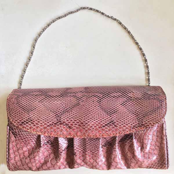 กระเป๋าคลัชแฟชั่นเกาหลีถือออกงานแต่งงานหรูหรามีสายโซ่สั้นและยาวถอดได้ นำเข้า สีน้ำตาล - พร้อมส่งIS1016 ราคา565บาท