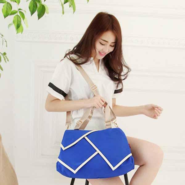 กระเป๋าสะพายผ้าไนลอน แฟชั่นเกาหลีผู้หญิงใบใหญ่มีสายยาวใส่ของได้3ช่อง นำเข้า สีฟ้า - พรีออเดอร์IS1026A ราคา1250บาท