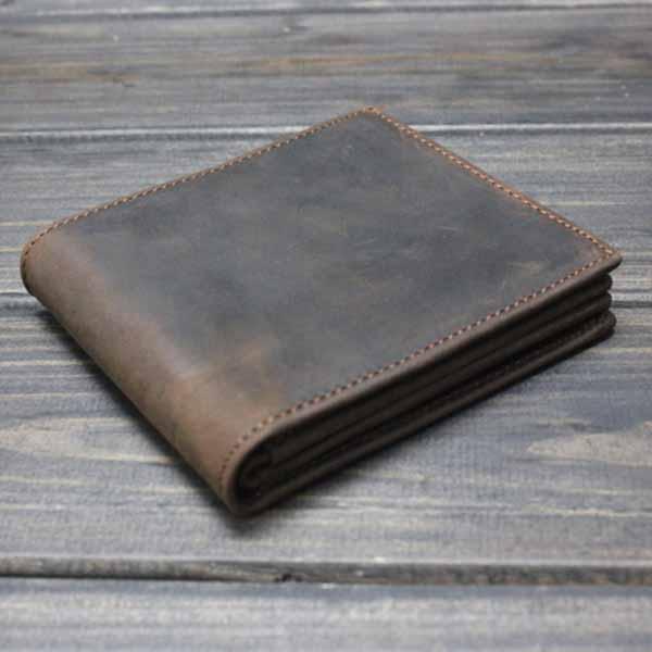 กระเป๋าสตางค์ผู้ชาย แบบสั้นหนังแท้แฟชั่นวินเทจเท่หรูทันสมัย นำเข้า สีน้ำตาล - พร้อมส่งIS1036 ราคา1500บาท