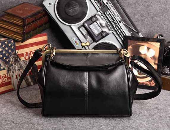 กระเป๋าสะพาย แฟชั่นเกาหลีผู้หญิงวินเทจถือสายสั้นหรูแบบใหม่น่ารัก นำเข้า สีดำ - พร้อมส่งIS505 ราคา900บาท