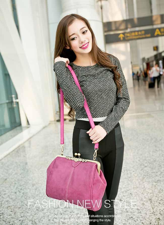 กระเป๋าสะพาย แฟชั่นเกาหลีผู้หญิงหนังกลับวินเทจถือสายสั้นหรูแบบใหม่น่ารัก นำเข้า สีชมพูอมม่วง - พร้อมส่งIS505 ราคา900บาท