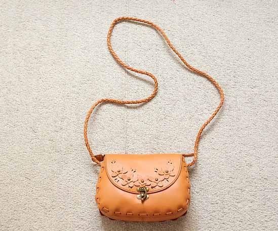 กระเป๋าสะพายข้าง แฟชั่นเกาหลี สวยใบเล็กแนววินเทจ นำเข้า สีน้ำตาล - พรีออเดอร์IS953