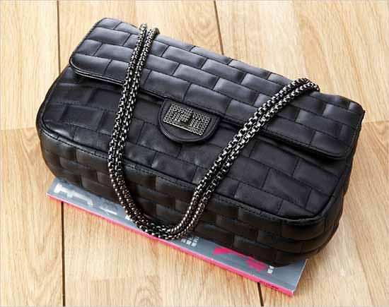 กระเป๋าสะพาย แฟชั่นเกาหลีสไตล์แบรนด์สายโซ่หนังสวยดูหรูมาก