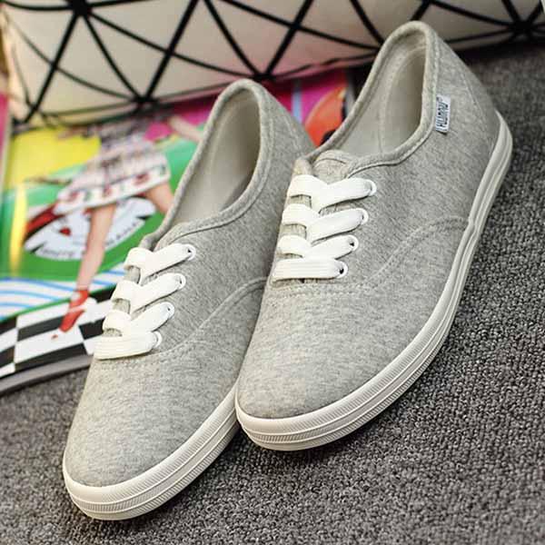 รองเท้าผ้าใบ คัทชูหุ้มส้นแบนอินเทรนด์แฟชั่นเกาหลีนุ่มสบายเท้า นำเข้า ไซส์39 สีเทา - พร้อมส่งMA3033 ราคา1050บาท
