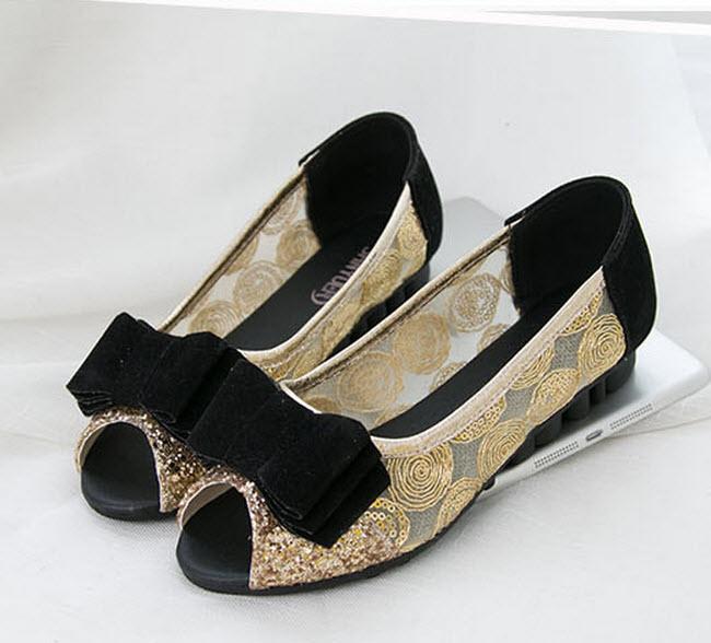 รองเท้าส้นเตี้ย แต่งกลิ้ตเตอร์แฟชั่นเกาหลีสุดหรูหนังนุ่มใส่สบาย นำเข้าไซส์37 สีดำ - พร้อมส่งRB2222 ราคา1250บาท