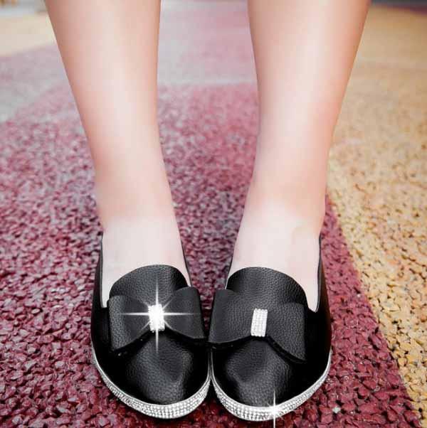 รองเท้าเพื่อสุขภาพ แฟชั่นเกาหลีส้นเตี้ยแต้งโบว์และกลิ้ตเตอร์หรู นำเข้า ไซส์33ถึง43 สีดำ - พรีออเดอร์RB2268 ราคา1550บาท