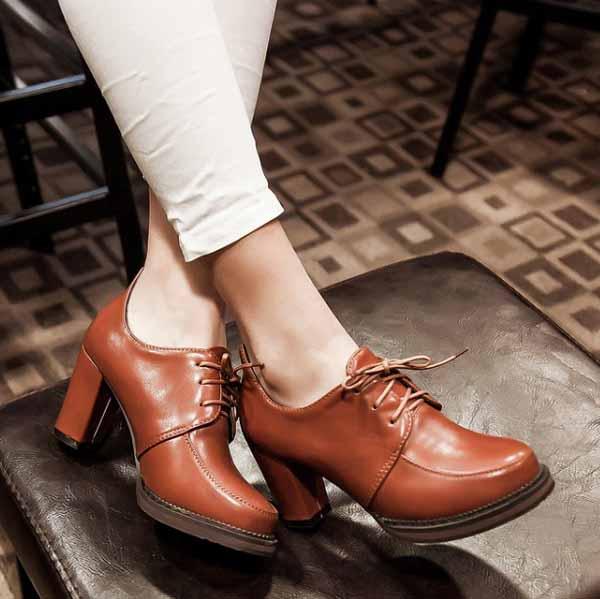 รองเท้าส้นสูง วินเทจผู้หญิงแฟชั่นเกาหลีสไตล์ใหม่เหมาะกับเทรนด์ นำเข้า ไซส์34ถึง43 สีน้ำตาล - พรีออเดอร์RB2273 ราคา1550บาท
