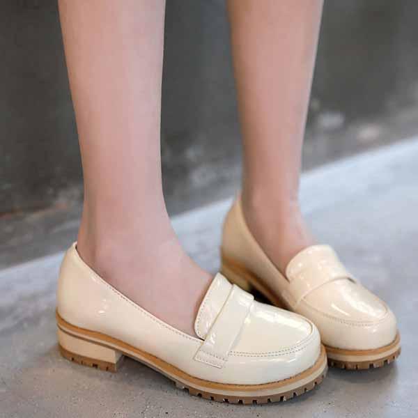 รองเท้าสวมส้นเตี้ย แฟชั่นเกาหลีหนังแก้วน่ารักแคชชวล นำเข้า ไซส์34ถึง43 สีครีม - พรีออเดอร์RB2274 ราคา1600บาท