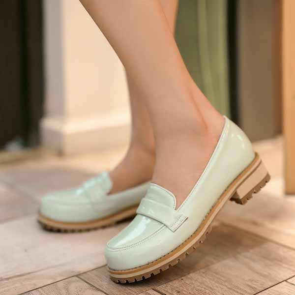 รองเท้าสวมส้นเตี้ย แฟชั่นเกาหลีหนังแก้วน่ารักแคชชวล นำเข้า ไซส์34ถึง43 สีเขียว - พรีออเดอร์RB2274 ราคา1600บาท