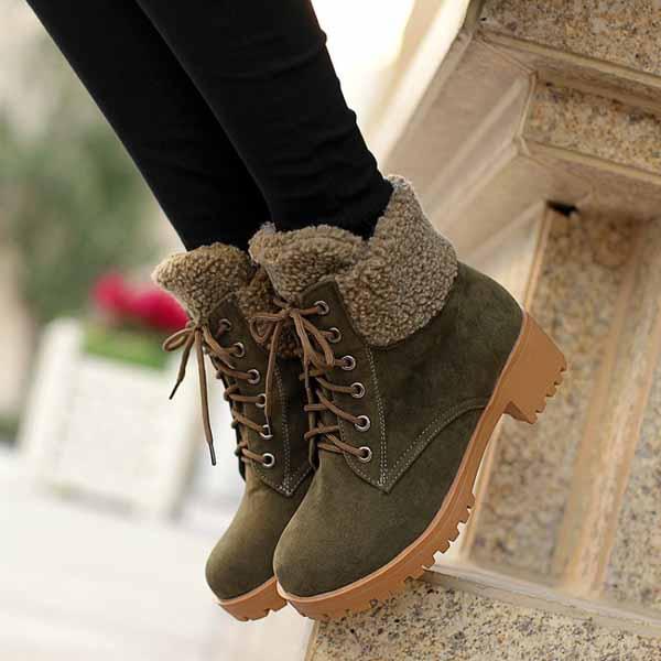 รองเท้าบูทหุ้มข้อ กันหนาวแฟชั่นเกาหลีส้นเตี้ยบุขนรุ่นใหม่ นำเข้า ไซส์34ถึง43 สีเขียว - พรีออเดอร์RB22675 ราคา1750บาท